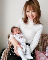 【エンタがビタミン♪】鈴木奈々、新生児を抱いて「母性本能が湧きました」 ママタレの道も視野に?