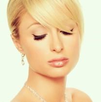 【イタすぎるセレブ達】パリス・ヒルトン美肌のススメ 「仕事のない日はスッピンで!」