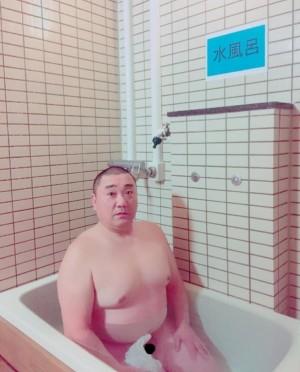 【エンタがビタミン♪】山本圭壱 全裸写真公開も「加藤さんに怒られる」とファン心配