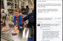 自閉症の3歳児に「レジを手伝ってみない?」 スタッフの意外な提案に母親が感激(英)
