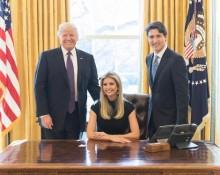 【イタすぎるセレブ達】イヴァンカ・トランプさん、大統領執務室での写真を公開 「何様?」と反感買う