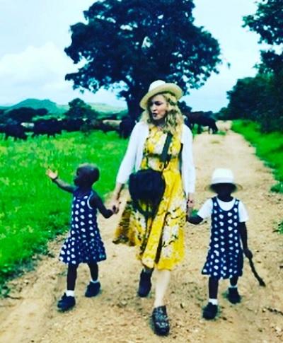 マドンナ、双子を迎えた喜びを明かす(出典:https://www.instagram.com/madonna)