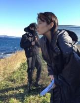 """【エンタがビタミン♪】水野美紀のロケショット 嫉妬の鬼""""蘭""""が海を眺める姿に「怖すぎる~」"""