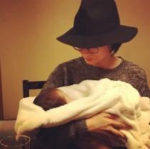 【エンタがビタミン♪】柴咲コウ、赤ちゃんを抱っこ 主演大河『直虎』8話に本音「なんてタイトルだ!」
