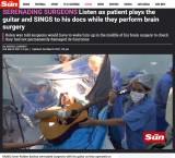 【海外発!Breaking News】脳手術を受けながらギターの弾き語りを披露した男性(ブラジル)
