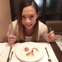 【エンタがビタミン♪】土屋アンナ、愛する彼とディナーへ 出産を前にすっかりガーリー女子に