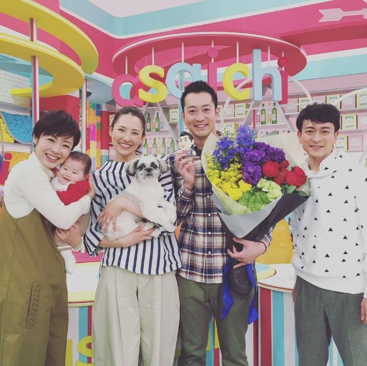 NHK『あさイチ』での浜島直子(左から2番目)(出典:https://www.instagram.com/hamaji_0912)