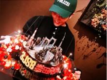 【エンタがビタミン♪】岩田剛典 サプライズケーキに満面の笑み