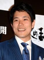 【エンタがビタミン♪】松山ケンイチ『A LIFE』ロケで誕生日を祝われる 白衣姿に「井川先生が癒しです」