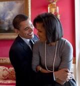 【イタすぎるセレブ達】オバマ元大統領、妻や「U2」ボノとランチを満喫 店の客達も大興奮