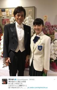 舞台衣装の華丸と星野真里(出典:https://twitter.com/okazakihanawo)