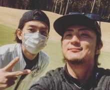 【エンタがビタミン♪】三浦翔平、上地雄輔とゴルフ楽しむも「花粉嫌い…」