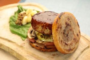 肉のミルフィーユバーガー
