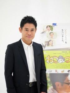 映画『ねこあつめの家』で主演の伊藤淳史