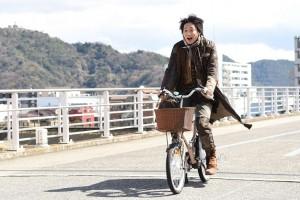 ドラマ『フランケンシュタインの恋』で綾野剛が演じる怪物(C)日本テレビ