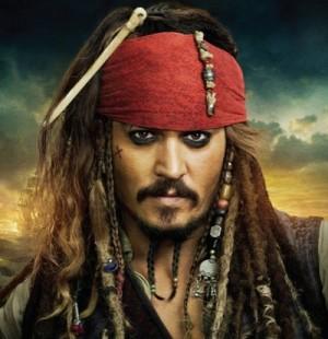 【イタすぎるセレブ達】ジョニー・デップ、米ディズニーランドの「カリブの海賊」に登場 来園者大騒ぎ