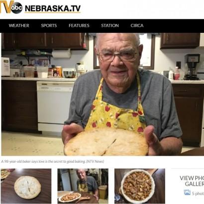 【海外発!Breaking News】毎日パイを焼く98歳男性 「笑顔が見たくて」(米)