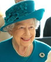 【イタすぎるセレブ達】英エリザベス女王が「歩きやすいように」 新品の靴を柔らかくするスタッフを雇用