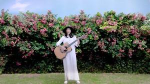 ギターを持って 相楽樹