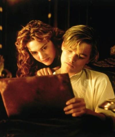 ジャック、実はローズの想像の産物?(出典:https://www.facebook.com/TitanicMovie)