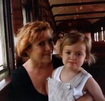 """【イタすぎるセレブ達】""""レイア姫""""キャリー・フィッシャーの娘 「母の日」に思い出の写真を公開"""