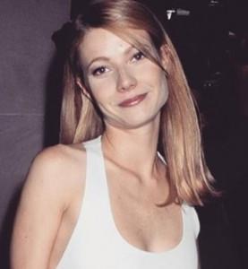 グウィネスの輪郭、顔立ちは娘に遺伝(出典:https://www.instagram.com/gwynethpaltrow)