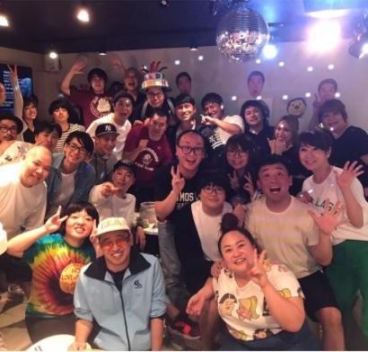 【エンタがビタミン♪】タカトシ・タカの誕生日を祝うメンバーが豪華すぎ 菊地亜美が埋もれるほど