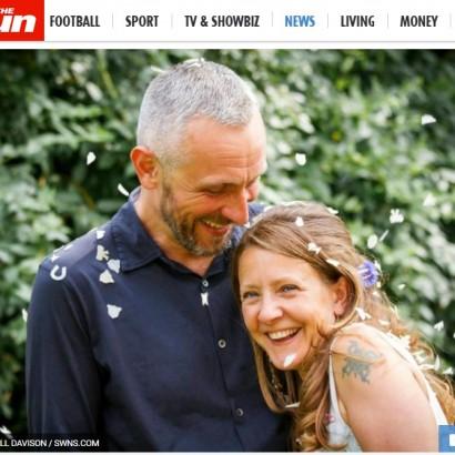 【海外発!Breaking News】がんで命尽きた愛妻の亡骸に6日間添い寝した夫(英)