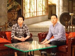 『カリギュラ』スタジオセットのソファに座る今田耕司と東野幸治
