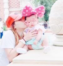 【エンタがビタミン♪】土屋アンナ「うちのミニミニーマウス!」 3か月の娘を連れてTDLへ