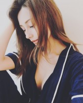 【エンタがビタミン♪】ダレノガレ明美の美バストに「形も大きさも最高」ファンうっとり