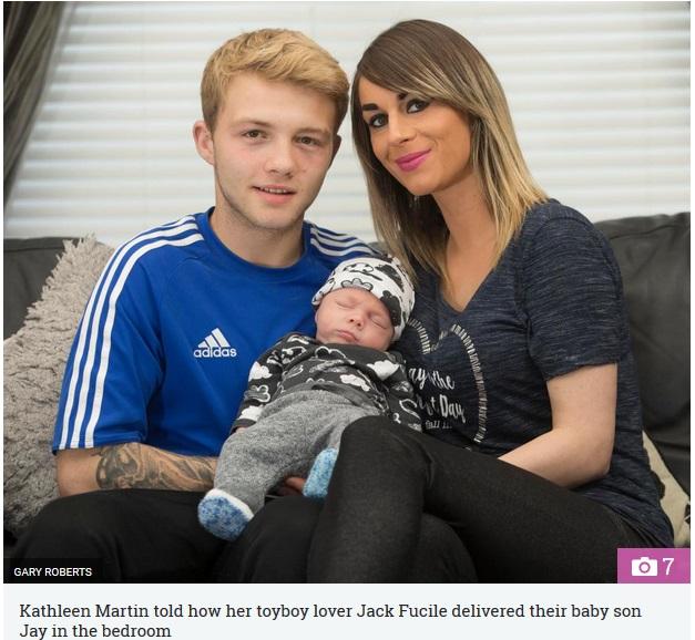 パパになった16歳少年と31歳女性(画像は『The Sun 2017年6月12日付「SPECIAL DELIVERY Mum, 31, who fell pregnant by her 16-year-old toyboy lover after they met on Facebook reveals he delivered their baby at home… and they're now a happy family」(GARY ROBERTS)』のスクリーンショット)