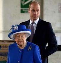 【イタすぎるセレブ達・番外編】ウィリアム王子、ロンドン火災で夫に会えぬ女性を優しくハグ