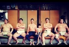 【イタすぎるセレブ達】ジゼル・ブンチェンのNFL夫、相撲部屋で力士とぶつかり稽古