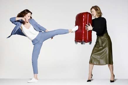 スーツケースはこれぐらい丈夫でないと?