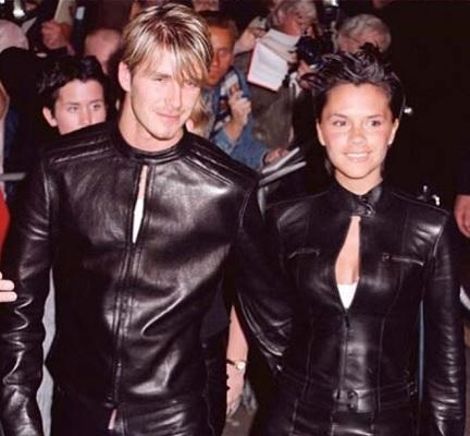 若い頃の夫妻(画像は『David Beckham 2017年7月4日付Instagram「Wow we really did this Happy Anniversary to an amazing wife, mummy and strong business woman」』のスクリーンショット)