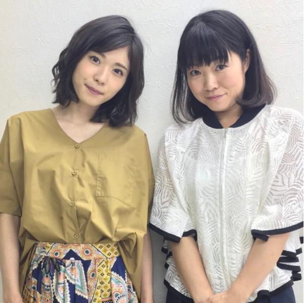 松岡茉優とイモトアヤコ(画像は『【公式】ウチの夫は仕事ができない 2017年7月20日付Instagram「可愛いだけじゃない、笑いに貪欲な女優たち」』のスクリーンショット)
