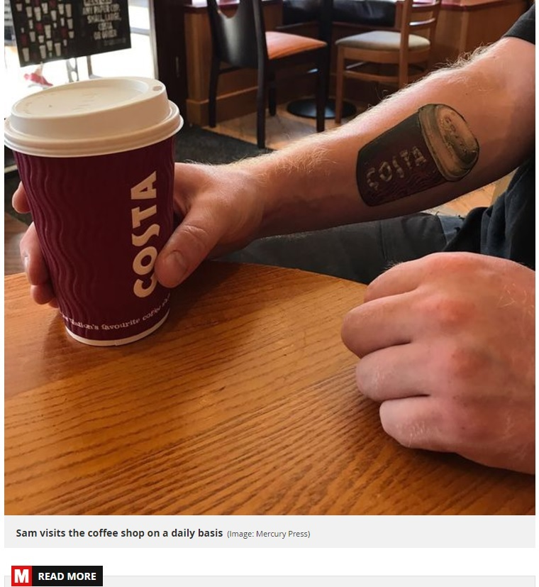 "COSTAへの""愛""を示した男性(画像は『Mirror 2017年7月11日付「Costa-addict who claims he's spent £5k on mochas in four years gets tattoo to honour favourite coffee shop」(Image: Mercury Press)』のスクリーンショット)"