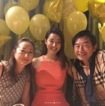 【エンタがビタミン♪】すみれ、誕生パーティでのサプライズに笑顔 親子3ショットも公開!