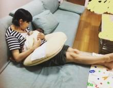 【エンタがビタミン♪】金田朋子の授乳姿に、「ちゃんとお母ちゃんしてますね」とファンほっこり