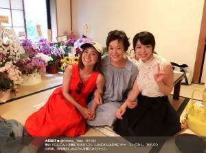 大島優子、大竹しのぶ、峯岸みなみ(画像は『大島優子 2017年8月19日付Twitter「舞台「にんじん」を観に行きました。」』のスクリーンショット)
