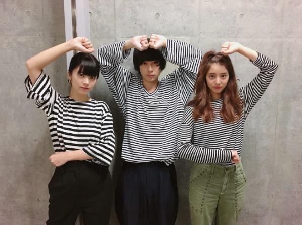 『コード・ブルー』新人チームが謎ポーズ(画像は『新木優子 2017年8月4日付Instagram「3人ともたまたまボーダー被り」』のスクリーンショット)