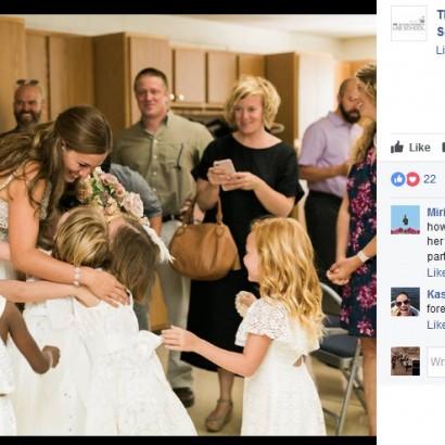 【海外発!Breaking News】小学校女性教師、教え子20人を結婚式の大役に選ぶ(米)
