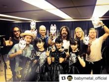BABYMETALと記念写真 フー・ファイターズのインスタに「日本のメタルはきちんとしてる」