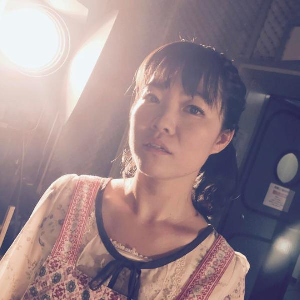 イモトアヤコ:柳生みゆプロデュース(画像は『【公式】ウチの夫は仕事ができない 2017年8月3日付Instagram「第3回アヤコをプロデュース」』のスクリーンショット)