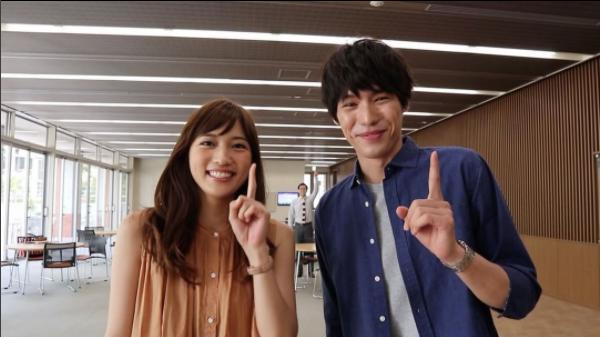 川口春奈と福士蒼汰(画像は『公式「愛してたって、秘密はある。」 2017年8月6日付Instagram「【第4話 今夜10時30分~放送】」』のスクリーンショット)