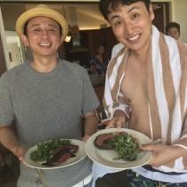 【エンタがビタミン♪】アンジャ児嶋、有吉弘行とハワイ満喫 セクシーな小嶋陽菜と2ショットも