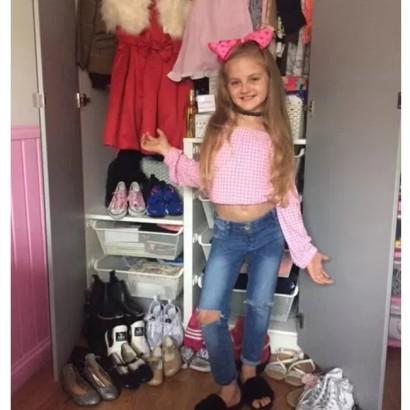 【海外発!Breaking News】メイクやヘア、ファッションに毎朝2時間 おしゃれが大好きな8歳少女(英)