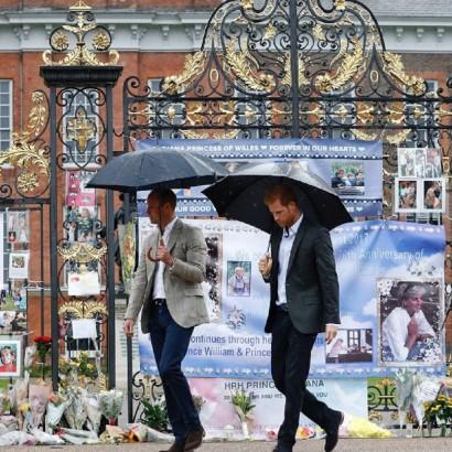【イタすぎるセレブ達・番外編】ダイアナ妃の衝撃の死から20年 ウィリアム王子&ヘンリー王子が語った「喪失感」「後悔」「母への思い」