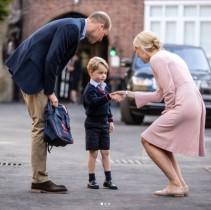 【イタすぎるセレブ達】ジョージ王子が初登校 ツワリで寝込んだキャサリン妃は付き添えず